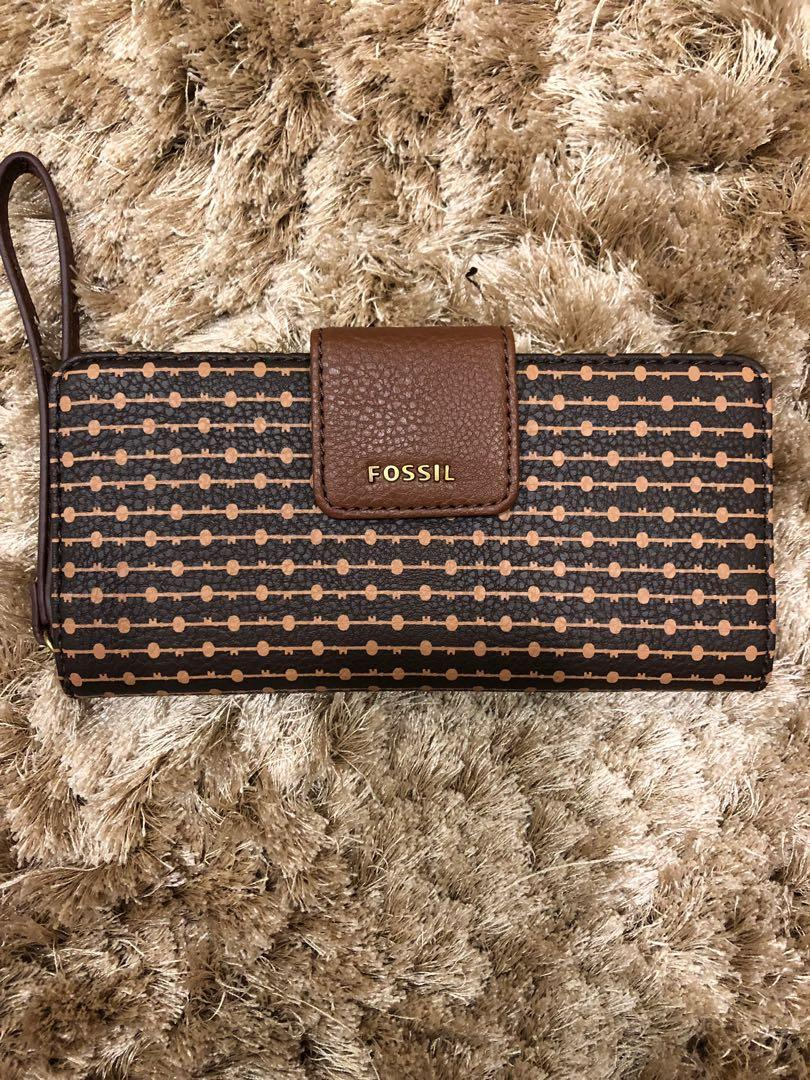Fossil clutch wallet