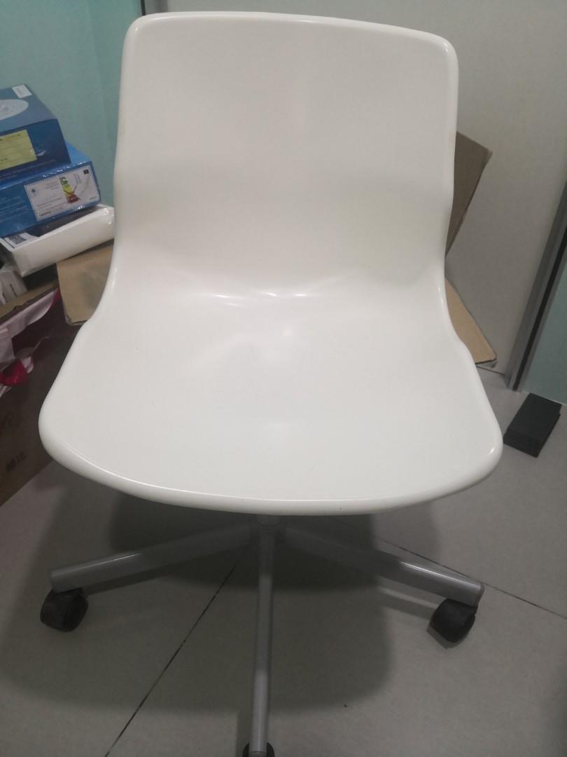 Enjoyable White Ikea Swivel Chair On Carousell Ncnpc Chair Design For Home Ncnpcorg