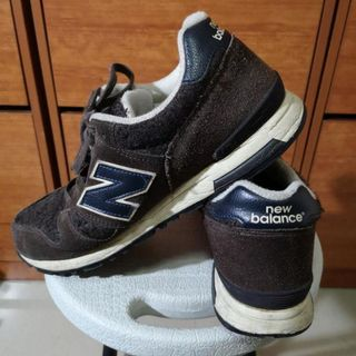 New balance casual shoes suede