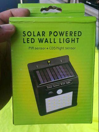 Solar led wall light with night sensor