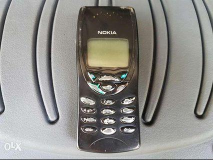 Nokia 8210 for sale samsung cellphone iphone i phone ios tablet sim