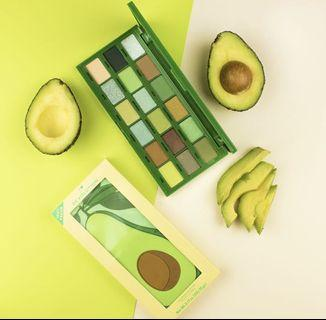 Makeup Revolution 🥑 🍕 🌶 The Tasty Collection 🥑🍕🌶 Grab Now  In Stock Peach and Glow Highlighting Palette  Conceal & Define Concealer in C4  Whatsapp 64672852 or DM us anytime