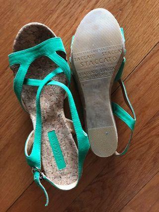 Staccato green platform heels 240/38