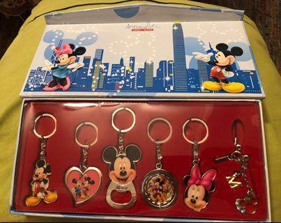🚚 Mickey & Friends - Key Rings & 1 bracelet