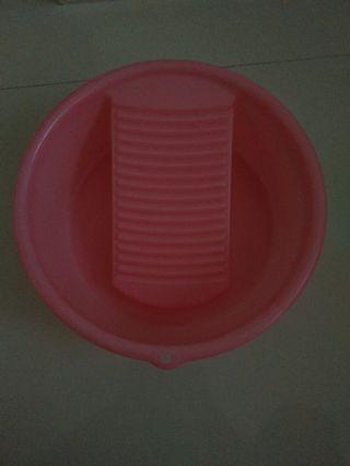 Washboard in a basin
