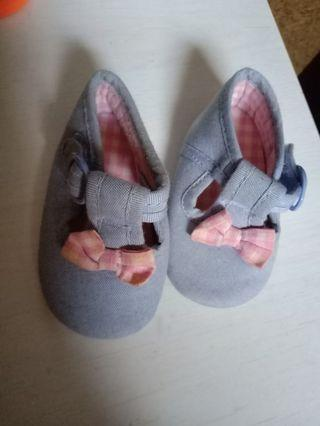 Sepatu bayi mothercare newborn