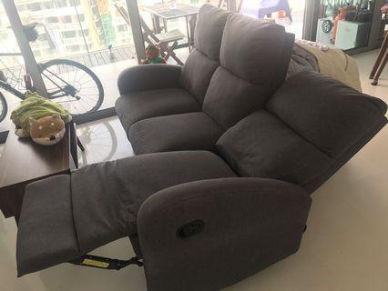 🚚 Very comfortable extensional sofa