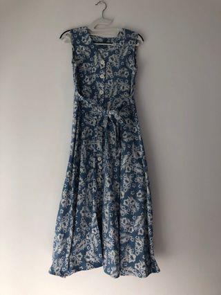 Floral light blue denim midi buttoned dress