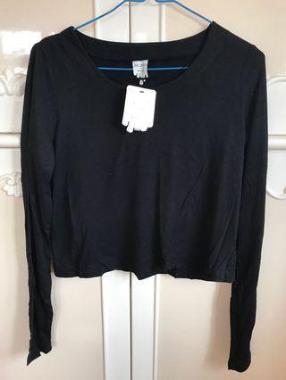 Long sleeve black top (new)