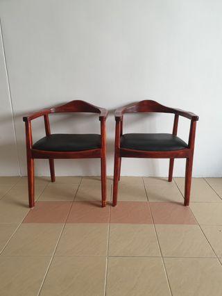 🚚 Armchairs