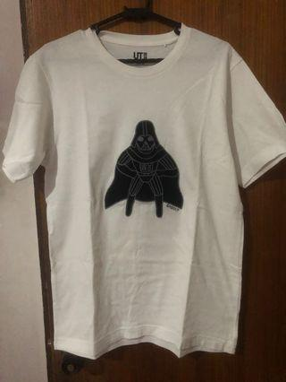 Uniqlo Darth Vader white