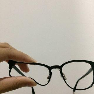 Kacamata Lentur