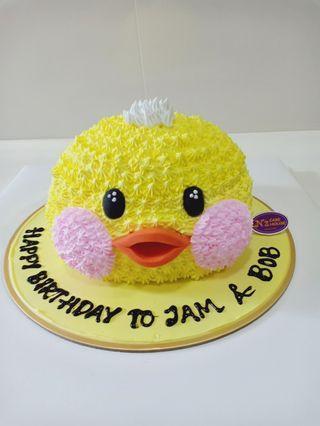 🚚 Birthday cakes