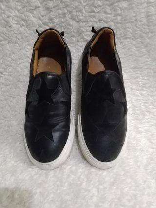 Givenchy Paris slip on size 9 womens