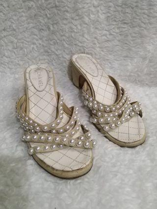Chanel sandals size 37
