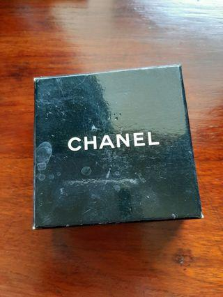 Chanel small box accesories