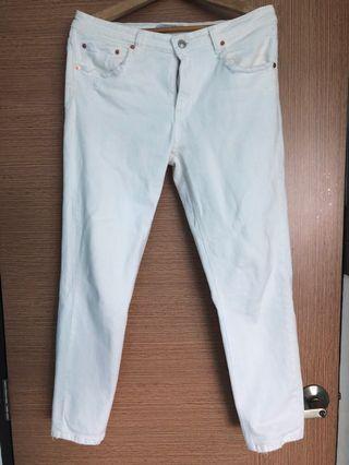 🚚 White Jeans