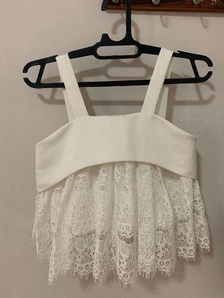 White lace croptop