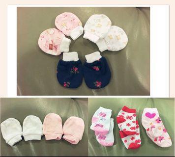 Baby socks & mitten