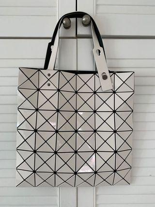 Issey Miyake Lucent Tote bag 6 by 6