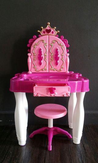 Makeup table & chair toy