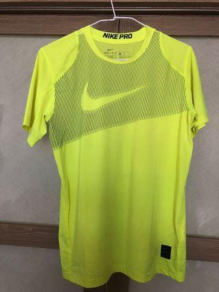 🚚 Nike男童上衣