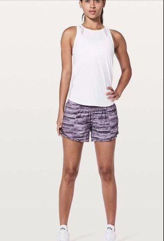 Lululemon Hotty Hot Shorts Sz 2 BNWT RRP $69