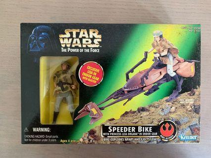 Star Wars speeder bike with Princess Leia in Endor Gear. Power of the Force,POTF