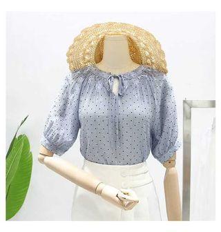 小圓點微皺摺圓領五分袖薄款上衣XL
