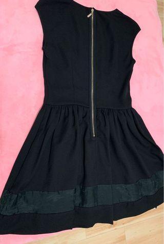 🚚 衣櫥必備專櫃小黑裙洋裝S號