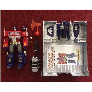 Takara Tomy MP10 Convoy Optimus Prime (2015 reissue) Transformers