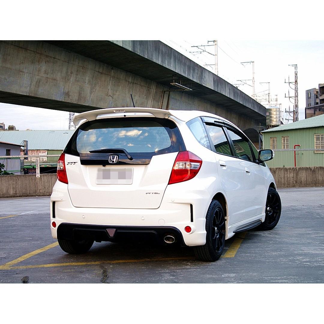 本田2013年FIT白色1.5-掀背小車
