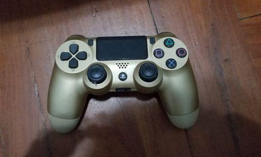[不散]PS4 金色手掣 加 三隻Party遊戲