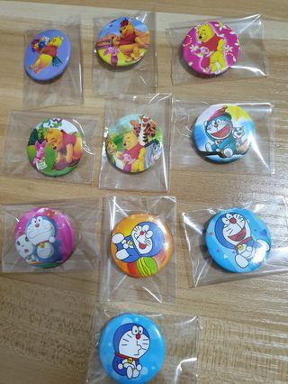 🚚 Winnie & Doraemon Badges Pin