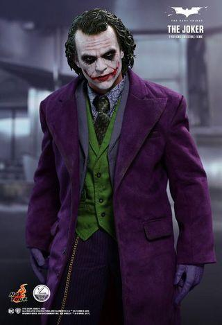 Hot Toys - QS010 - The Dark Knight - 1/4th scale The Joker Collectible Figure