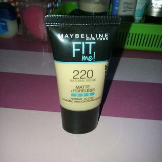 Foundation maybelline fit me 220