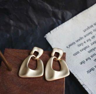 (E1008039) 歐美風 金屬 復古 幾何 耳環 Earrings