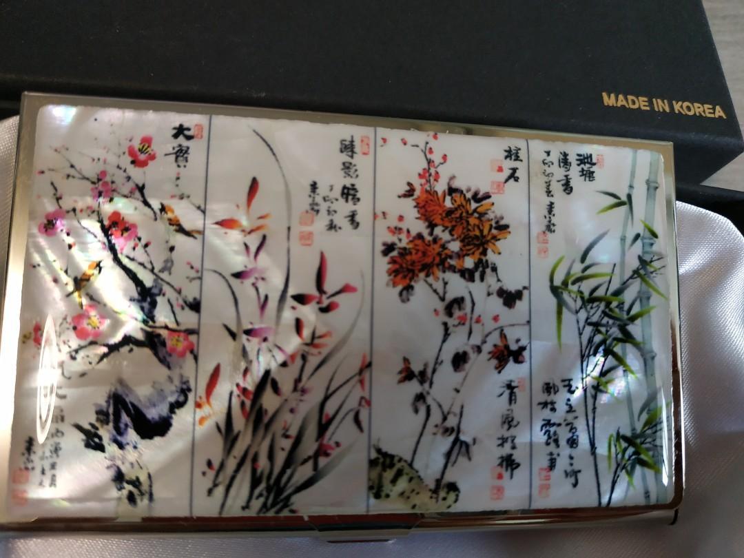 韓國製造 美態國畫配珍珠貝殼底色 鐵盒卡片套卡盒  鐘盒送禮自用 中國風