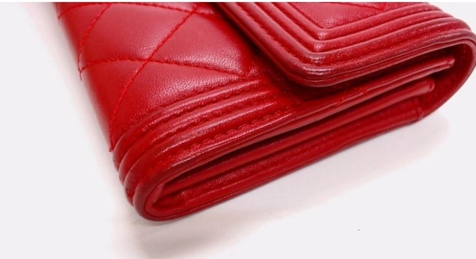 Chanel Boy Red Wallet❤❤👛