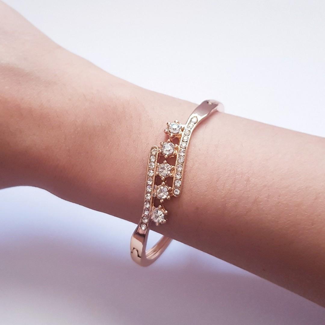 🆕️Women Fashion Wings Bracelet Rhinestone Cuff Bangle
