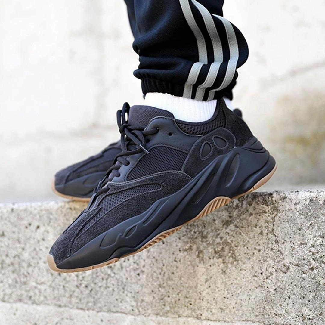 brand new 799df edc2b Yeezy Boost 700 v1 Utility Black, Men's Fashion, Footwear ...
