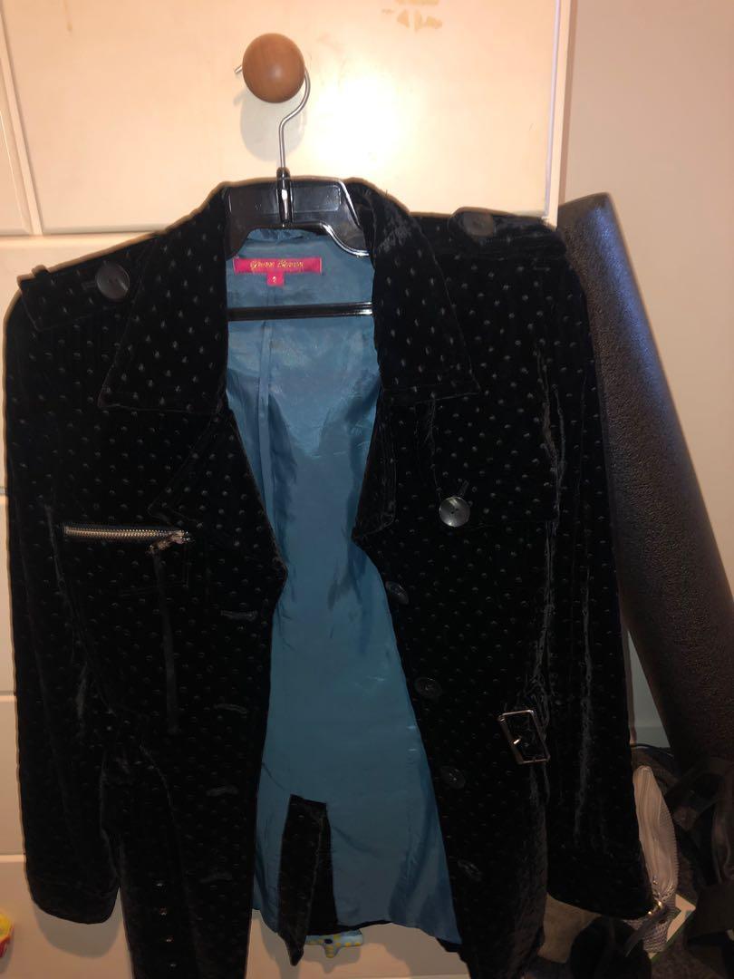 Yvonne Bennetti velvet blazer with belt