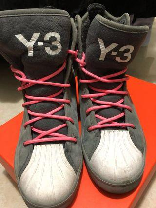 Y3 boots
