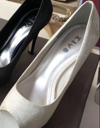 🚚 Heels (retailed $89)