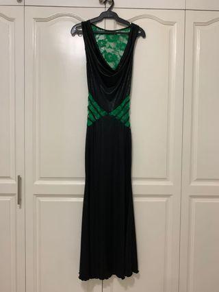 Scultpure black- hint of green formal dress