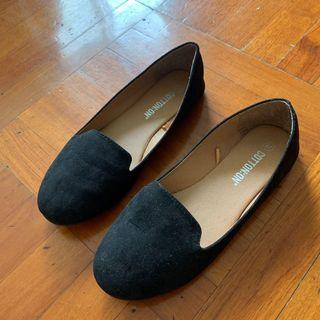 Size 37 cotton on black BLK flat shoes 平底鞋shoe office ladies lady OL interview work job school 見工 番學 返學 番工 返工 鞋 黑鞋 黑 鞋 intern training 空姐 地勤