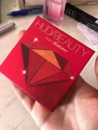 Huda Beauty ruby obsessions Pallette