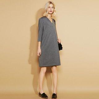 UNIQLO Women's Ponte V-Neck 3/4 Sleeve Dress