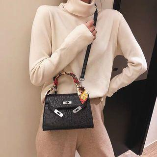 H leather bag