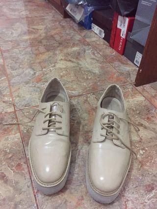 Sepatu zara 39